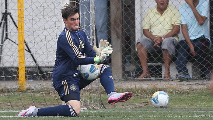 Daniel Fusato foi o destaque com um pênalti defendido na classificação alviverde. (Fabio Menotti/Ag.Palmeiras/Divulgação)