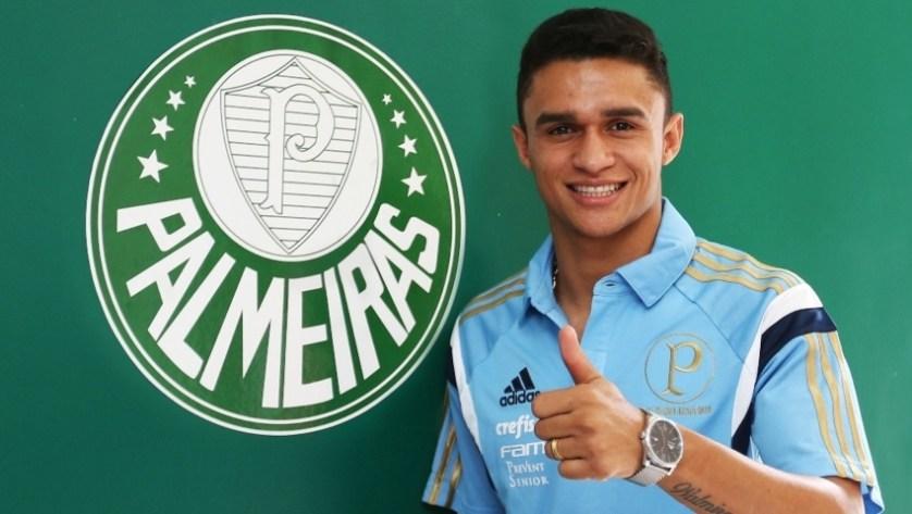 Novo reforço do Palmeiras, Erik foi eleito a revelação do Brasileirão em 2014. (Fabio Menotti/Ag. Palmeiras/Divulgação)