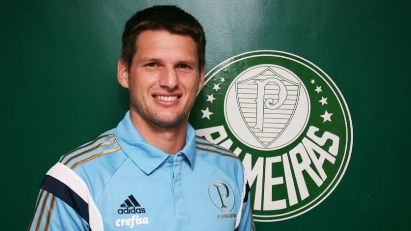 Vagner, ex-Avaí, assinou contrato de quatro anos com o Verdão. (Fabio Menotti/Ag.Palmeiras/Divulgação)