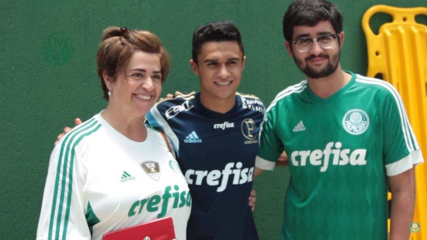 Sócios-torcedores puderam conhecer Erik em sua apresentação, na Academia de Futebol. (Reprodução/TVPalmeiras/Youtube)