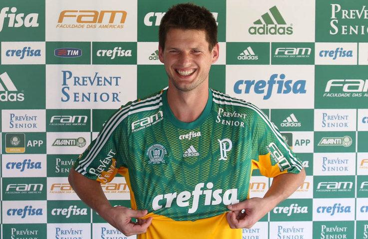 O goleiro Vagner foi o primeiro reforço anunciado pelo Palmeiras para a temporada de 2016. (Cesar Greco/Ag Palmeiras/Divulgação)