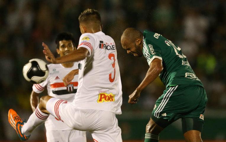 Alecsandro anotou seu terceiro gol com a camisa alviverde neste domingo (31). (Cesar Greco/Ag.Palmeiras/Divulgação)
