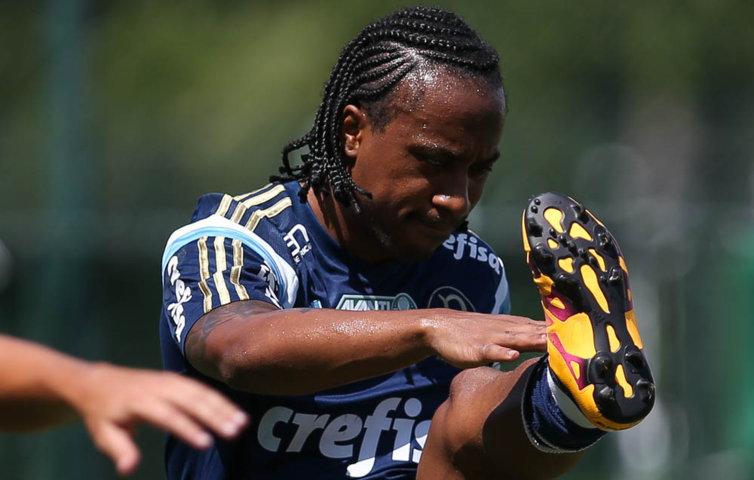 Arouca volta a treinar e pode aparecer entre os relacionados para quinta (14). (Cesar Greco/Ag. Palmeiras/Divulgação)