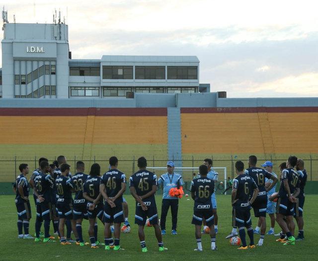 Elenco do Verdão treinou no palco da partida diante do River Plate-URU. (Cesar Greco/Ag.Palmeiras/Divulgação)