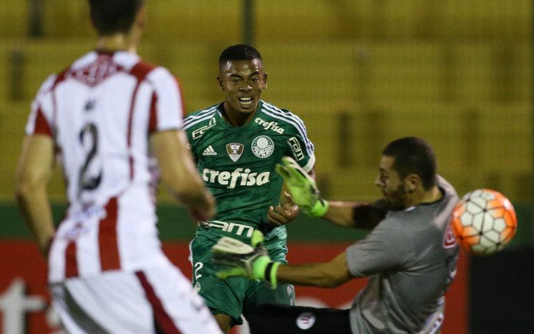 Gabriel Jesus anotou segundo gol palestrino e foi destaque da partida. (Cesar Greco/Ag.Palmeiras/Divulgação)