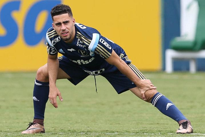Gabriel não vê a hora de vestir a camisa palestrina novamente. (Cesar Greco/Ag. Palmeiras/Divulgação)