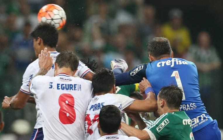 Palmeiras e Nacional-URU fizeram partida com lances muito disputados no Allianz Parque. (Cesar Greco/Ag.Palmeiras/Divulgação)