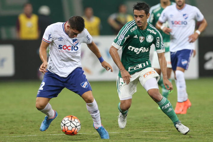 Robinho lamentou oportunidades desperdiçadas pelo Verdão ao longo da partida. (Cesar Greco/Ag.Palmeiras/Divulgação)