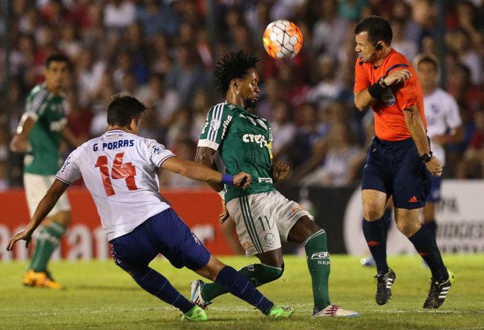 Polivalente, Zé Roberto atuou como meia no primeiro tempo e lateral na segunda etapa. (Cesar Greco/Ag.Palmeiras/Divulgação)
