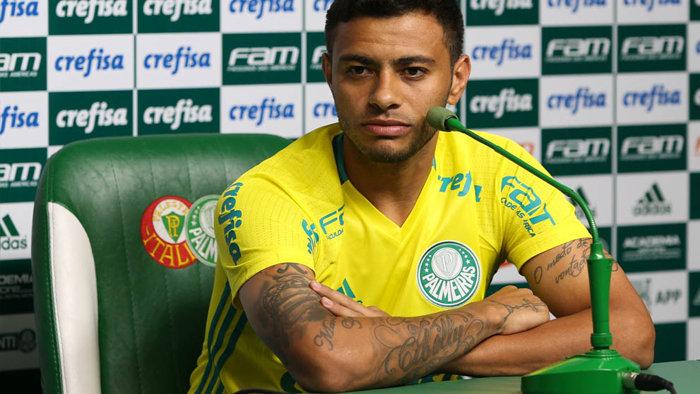 Cleiton Xavier concedeu entrevista coletiva na Academia de Futebol, nesta quarta-feira (20). (Cesar Greco/Ag.Palmeiras/Divulgação)
