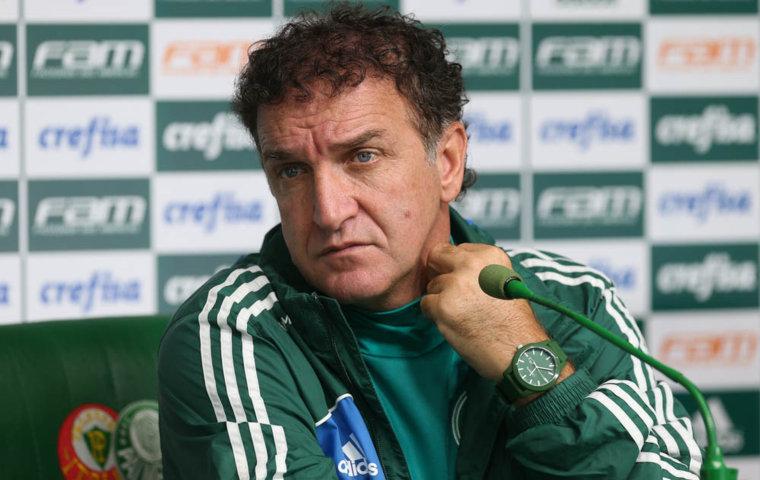 O técnico Cuca concedeu entrevista coletiva na Academia de Futebol após o treino desta sexta-feira (20). (Cesar Greco/Ag Palmeiras/Divulgação)