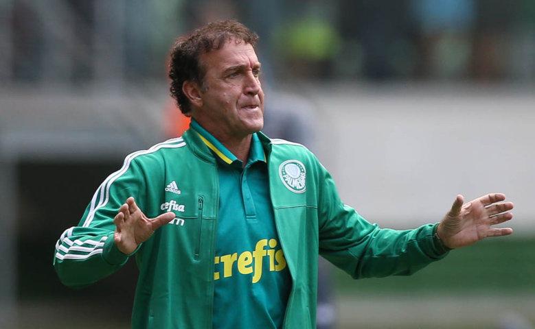 Cuca se mostrou satisfeito com o desempenho da equipe na goleada diante do Atlético-PR. (Cesar Greco/Ag.Palmeiras/Divulgação)