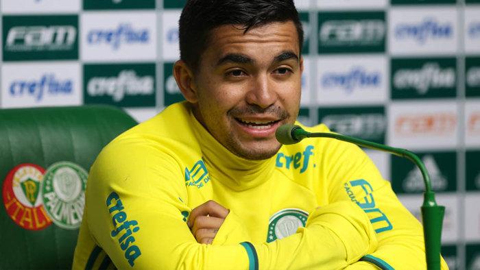 O atacante Dudu concedeu entrevista coletiva na Academia de Futebol nesta quarta-feira (24). (Cesar Greco/Ag Palmeiras/Divulgação)