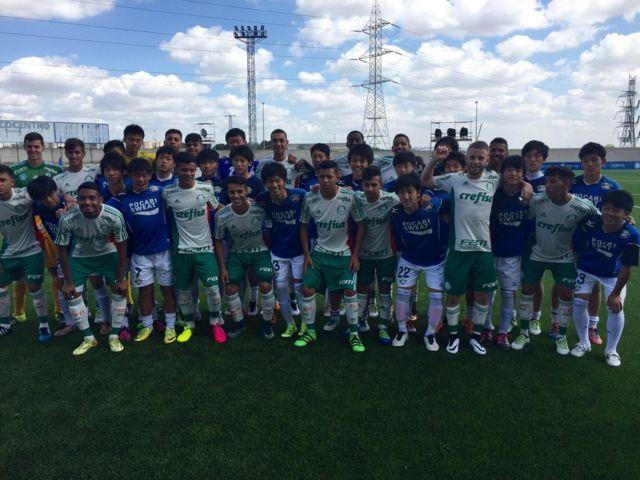 Palmeiras e Tokushima Vorits disputaram amistoso nesta sexta-feira (27). (Divulgação)