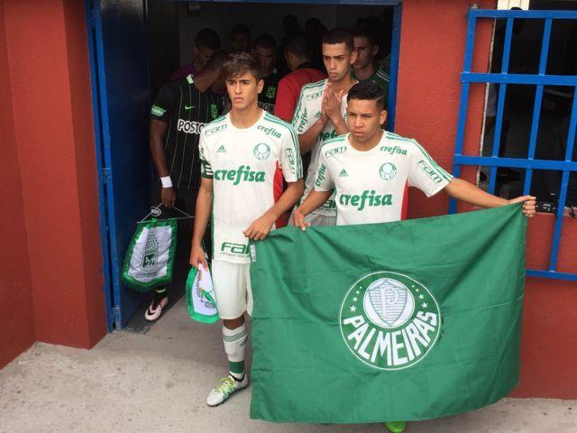 Sub-17 do Verdão estreou no estádio de Aldehuela, em Fuenlabrada-ESP. (Divulgação)
