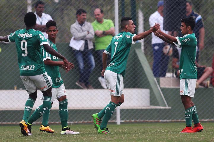 Palmeiras teve grande atuação e venceu o importante clássico contra o Santos, por 3 a 1. (Fabio Menotti/Ag.Palmeiras/Divulgação)