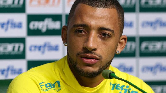 Zagueiro Vitor Hugo chegou a 10 gols com a camisa do Verdão. (Cesar Greco/Ag.Palmeiras/Divulgação)