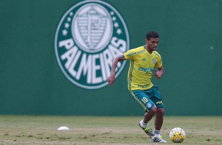 O meia Cleiton Xavier volta após ser desfalque contra São Paulo e Grêmio. (Cesar Greco/Ag.Palmeiras/Divulgação)