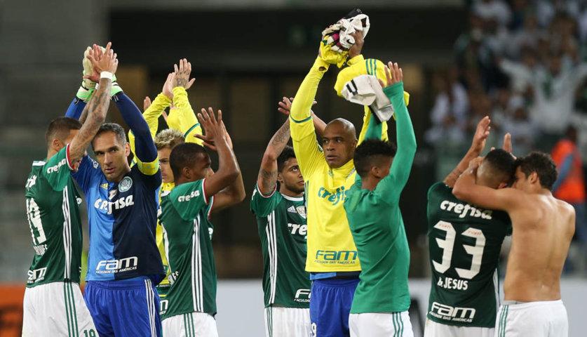 Jogadores valorizaram carinho da torcida após a vitória sobre o Corinthians. (Cesar Greco/Ag.Palmeiras/Divulgação)