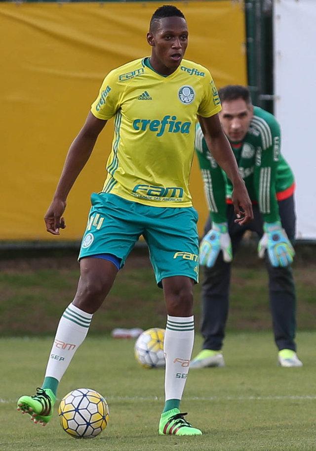 Mina treinou entre os titulares neste sábado (02). (Cesar Greco/Ag.Palmeiras/Divulgação)