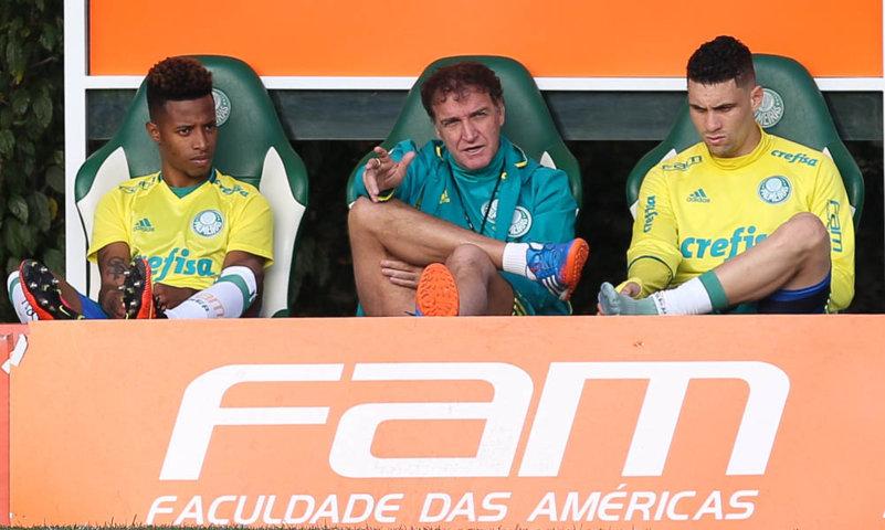 Com Tchê Tchê e Moisés, Cuca relacionou 23 atletas para duelo com Atlético-PR. (Cesar Greco/Ag.Palmeiras/Divulgação)
