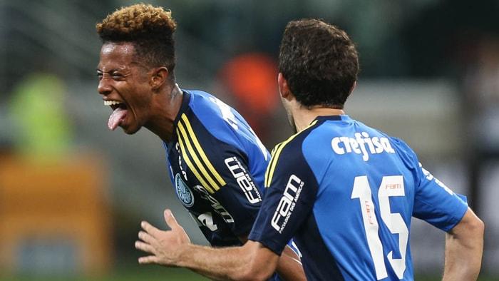 Mesmo muito marcado durante o jogo, Tchê Tchê anotou o terceiro gol do Verdão. (Cesar Greco/Ag.Palmeiras/Divulgação)