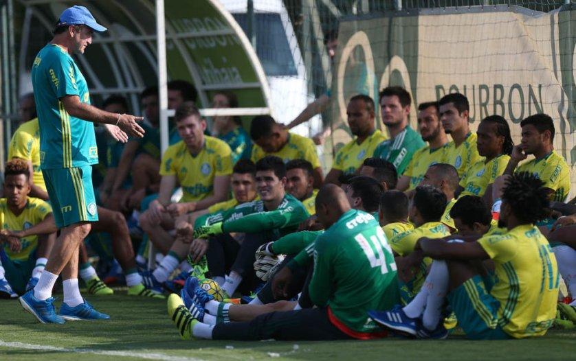 comissão técnica divulgou a lista de 24 atletas relacionados para o duelo com o Corinthians. (Cesar Greco/Ag.Palmeiras/Divulgação)