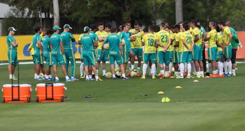 Após o treino, o técnico Cuca divulgou a lista dos relacionados com 25 nomes. (Cesar Greco/Ag.Palmeiras/Divulgação)