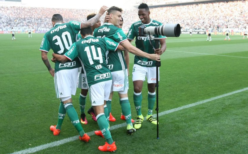 Moisés marcou o primeiro gol da vitória do Palmeiras sobre o Corinthians neste sábado (17). (Cesar Greco/Ag Palmeiras/Divulgação)