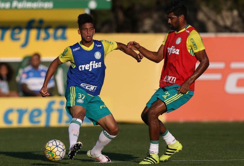 O jovem Vitinho recebeu mais uma oportunidade contra o Botafogo-PB. (Cesar Greco/Ag.Palmeiras/Divulgação)