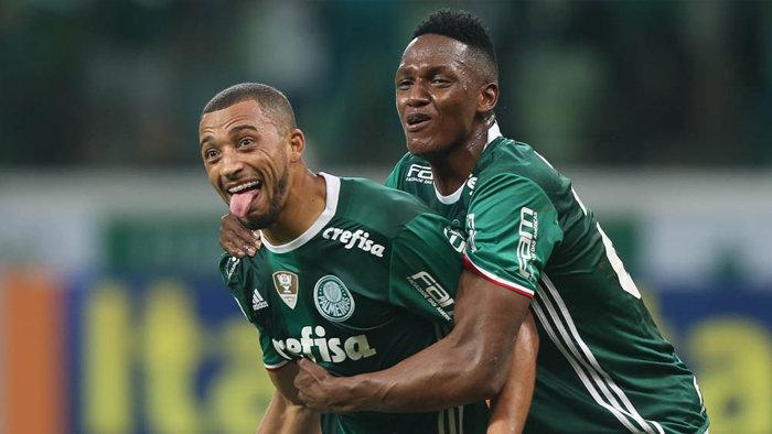Os zagueiros Vitor Hugo e Yerry Mina marcaram os gols do Verdão na vitória sobre o São Paulo. (Cesar Greco/Ag Palmeiras/Divulgação)