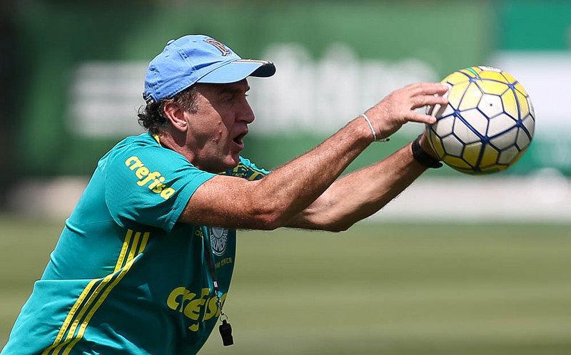Cuca comandou treino tático na tarde desta quinta-feira (03), na Academia de Futebol. (Cesar Greco/Ag Palmeiras/Divulgação)