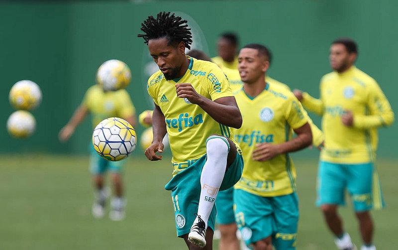 Elenco aprimorou táticas e técnicas na manhã desta sexta-feira (04), na Academia de Futebol. (Cesar Greco/Ag.Palmeiras/Divulgação)