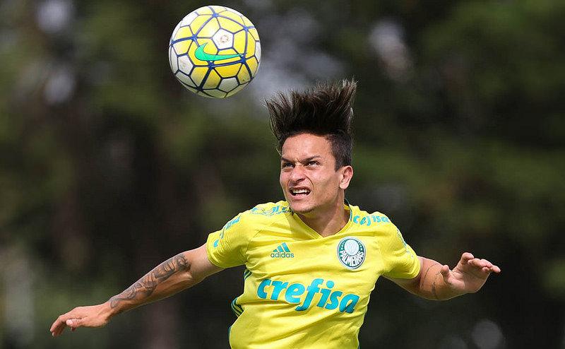 Artur foi convocado na última quarta (07), para representar a Seleção Sub-20 no Sul-Americano. (Cesar Greco/Ag.Palmeiras/Divulgação)