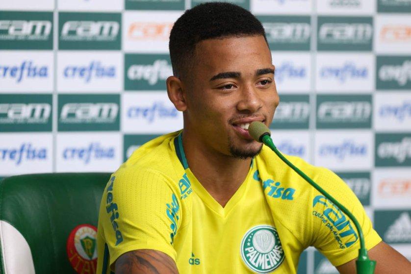 Gabriel Jesus concedeu sua última entrevista coletiva como jogador do Palmeiras nesta quarta-feira (07). (Cesar Greco/Ag Palmeiras/Divulgação)