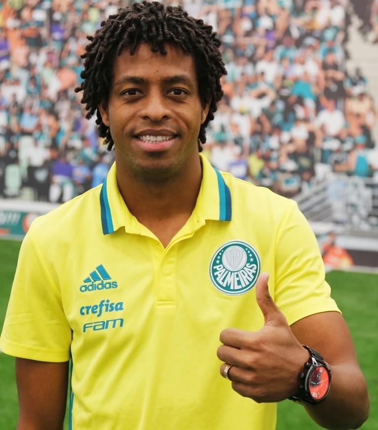 Destaque do Santa Cruz em 2016, Keno assinou com o Verdão por 4 anos. (Fabio Menotti/Ag Palmeiras/Divulgação)