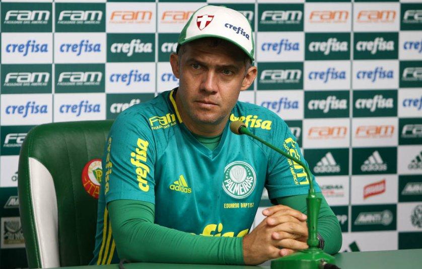 Eduardo Baptista concedeu entrevista coletiva na Academia de Futebol nesta sexta-feira (27). (Cesar Greco/Ag.Palmeiras/Divulgação)