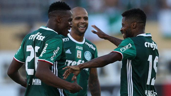 Michel Bastos veio para reforçar o Verdão em 2017 e caiu nas graças dos torcedores. (Cesar Greco/Ag Palmeiras/Divulgação)