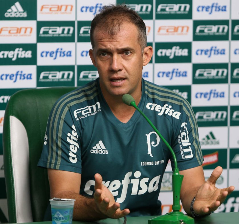 Em entrevista coletiva na Academia de Futebol, Eduardo Baptista projetou o confronto contra o Santos. (Cesar Greco/Ag. Palmeiras/Divulgação)