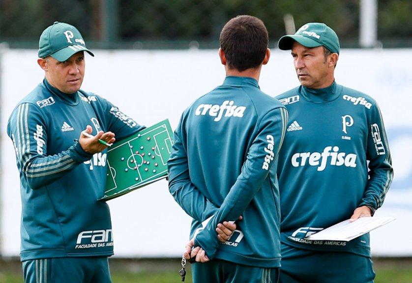 O técnico Eduardo Baptista esboçou o provável time titular para enfrentar o Novorizontino. (Fabio Menotti/Ag Palmeiras/Divulgação)