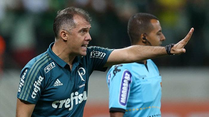 Eduardo celebrou a união do elenco palmeirense. (Cesar Greco/Ag. Palmeiras/Divulgação)