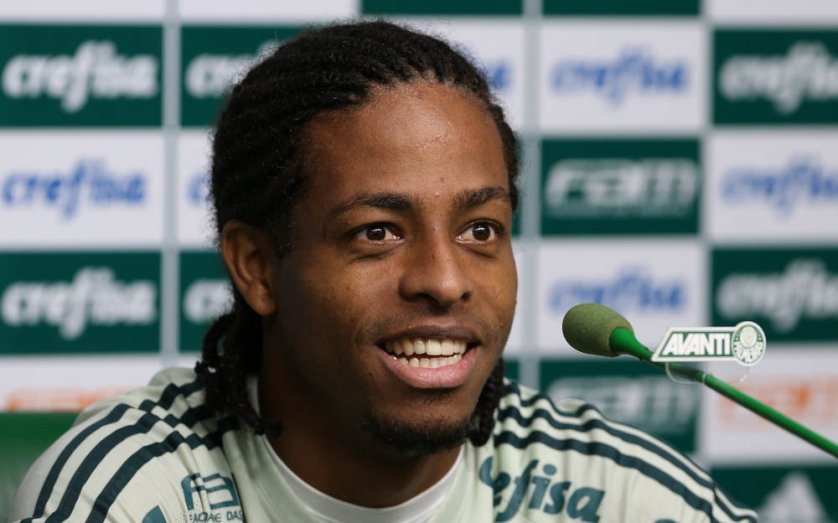 Destaque no empate contra o Atlético-MG, Keno concedeu entrevista coletiva nesta terça-feira (06). (Cesar Greco/Ag Palmeiras/Divulgação)
