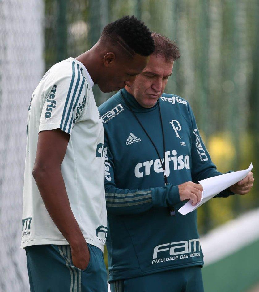 Após servir sua seleção, Yerry Mina voltou aos trabalhos no Palmeiras. (Cesar Greco/Ag Palmeiras/Divulgação)