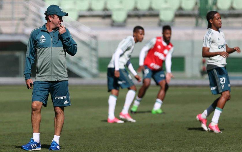 Cuca comandou uma movimentação tática em preparação para enfrentar o Vitória. (Cesar Greco/Ag Palmeiras/Divulgação)