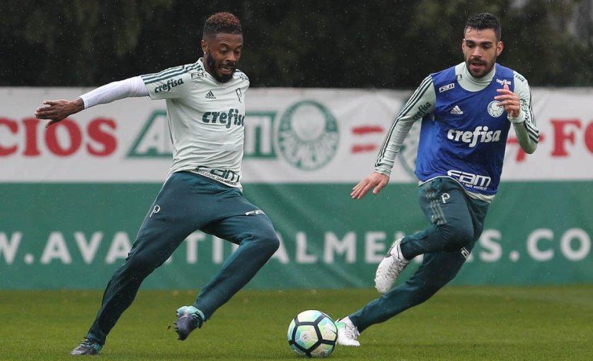 Cuca esboçou o provável time titular que enfrentará a Chapecoense, no domingo (20). (Cesar Greco/Ag. Palmeiras/Divulgação)
