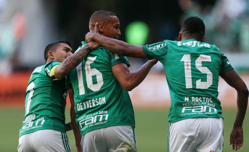 Deyverson marcou os dois gols da vitória palestrina neste domingo (12). (Cesar Greco/Ag Palmeiras/Divulgação)