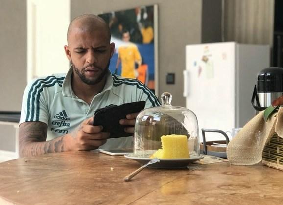 A jornal italiano, Felipe Melo fala em jogar mais seis anos e se tornar ídolo do Palmeiras