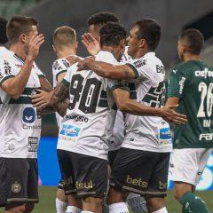 Mais uma vez irreconhecível, Palmeiras perde em casa para o Coritiba por 3×1