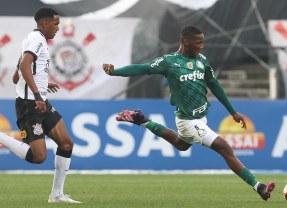 Palmeiras afasta Patrick de Paula após volante quebrar protocolos sanitários do clube