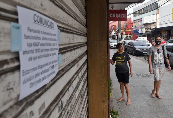 Date: 03/20/2020 - ES - Cariacica - Commerce on Avenida Expedito Garcia in Campo Grande - Editoria: Cidades - Foto: Vitor Jubini - GZ